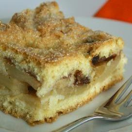 Brown Sugar Apple Coffee Cake
