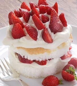 Strawberries and Cream Pound Cake