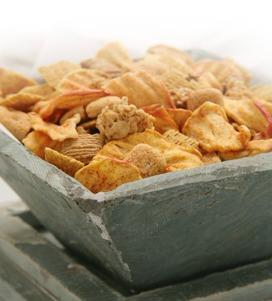 Crispy Fruit and Grain Snack Mix